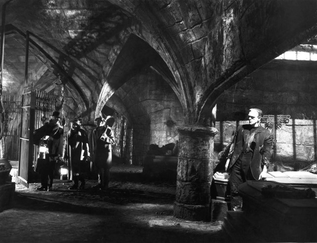 Stills-bride-of-frankenstein-19762093-1466-1127